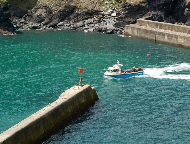 port_isaac_fishing_boat